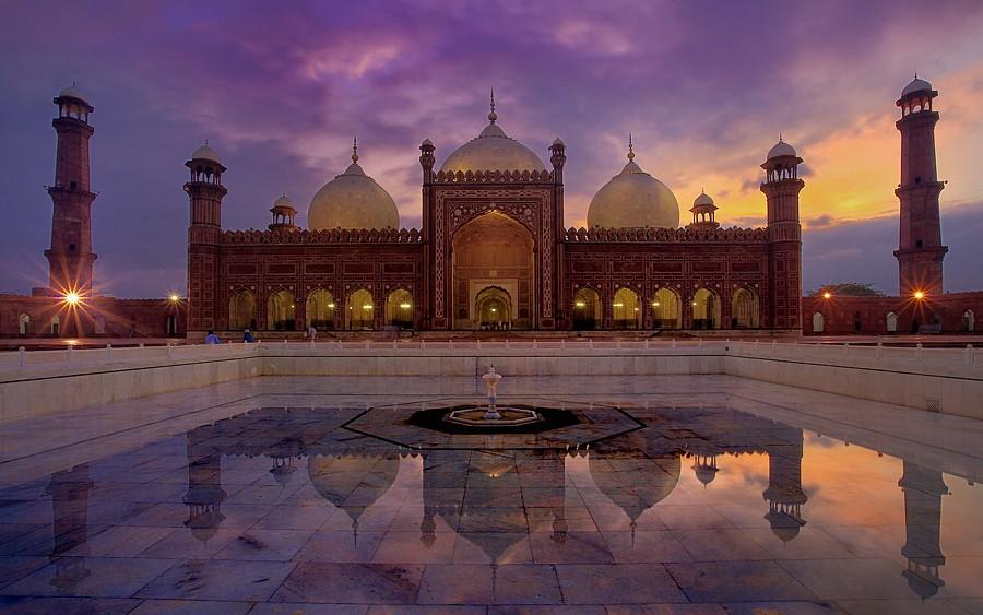 mosques taraweeh badshahi