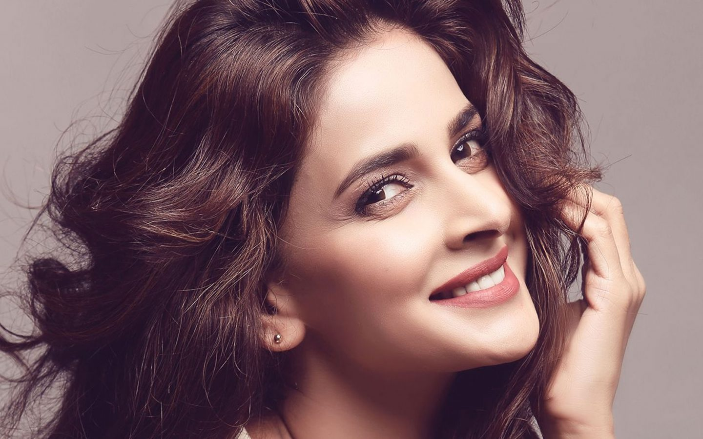 This Love Letter For Saba Qamar By An Indian Journalist Is Basically Just All Of Us